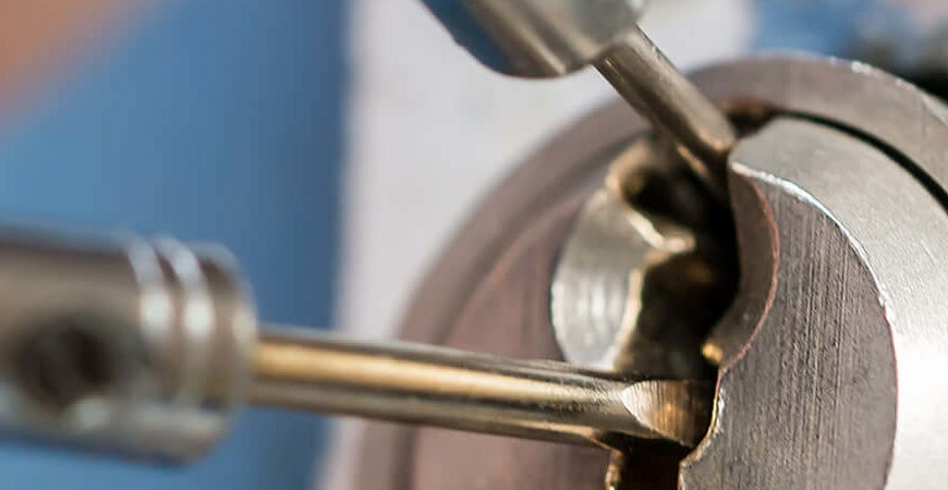 call a locksmith